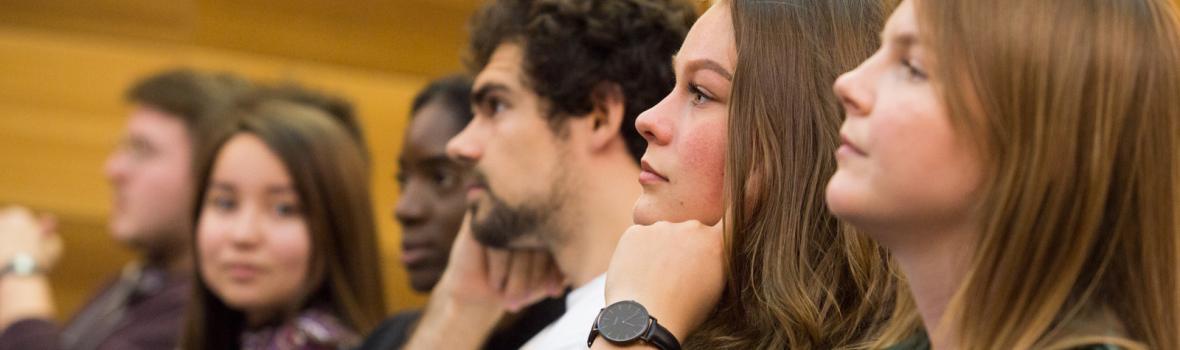 Studenti in Sala Galeotti, Caniana. Ph. Laura Pietra